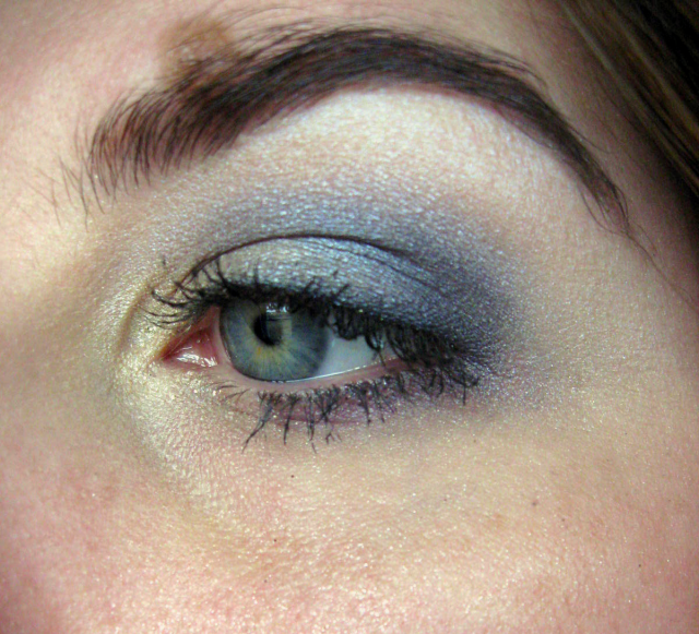 iridescent purple smoky eye