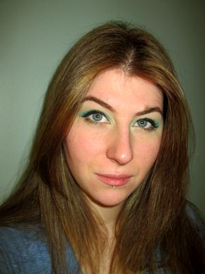 aqua teal cream eyeshadow