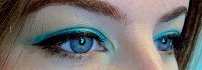 bright teal nyx eyeshadow jumbo eye pencil electric blue