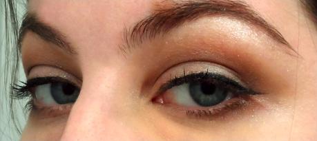 retro neutral smokey eye cat eyes