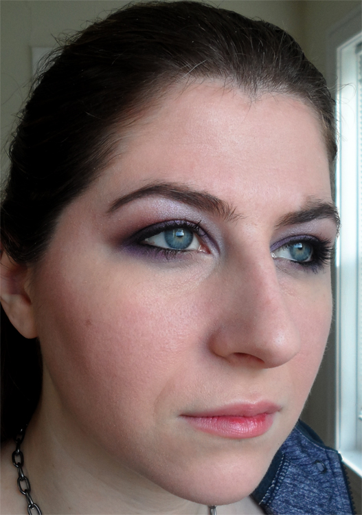 soft plum smoky eye shadow