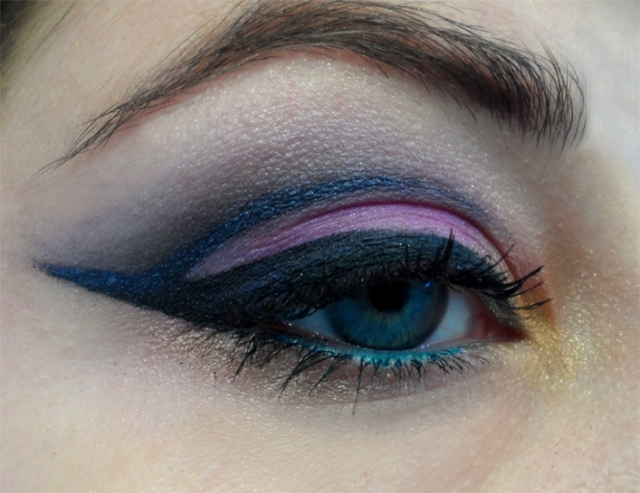 dramatic winged cut crease eyeliner