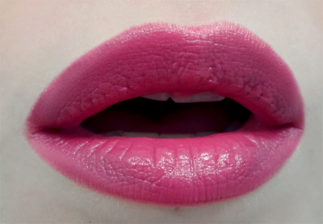 occ lip tars pretty boy black dahlia purple pink lips