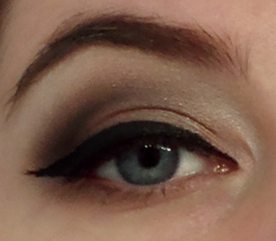 black liquid liner cut crease cat eye 60s