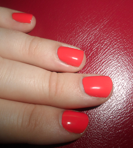 nailtini straight up nail laquer mai tai orange red polish