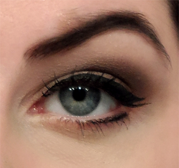 dark neutral smoky eye winged eyeliner
