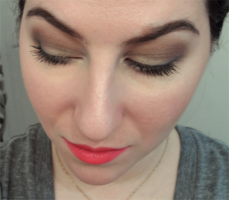 neutral smoky eyes bright red lips true red lipstick