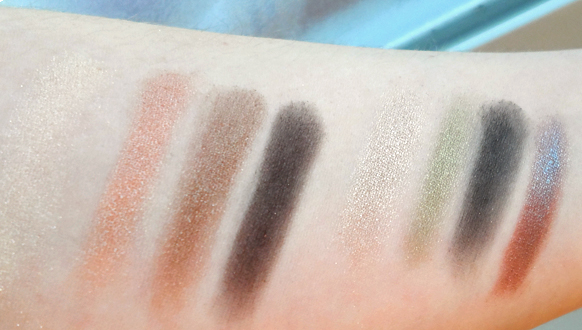 Wet n Wild Color Icon Collection Eyeshadow Comfort Zone palette 738 swatches