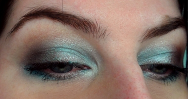 Wet n Wild Color Icon Collection Eyeshadow in Blue Had Me at Hello comfort zone baby ice blue brown smoky eye