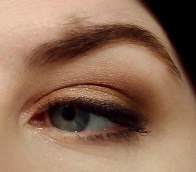 dark colours ud naked 3 palette rose gold neutral eyes