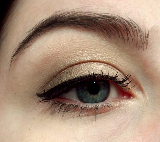 silk naturals cosmetics fire date night eyeshadow