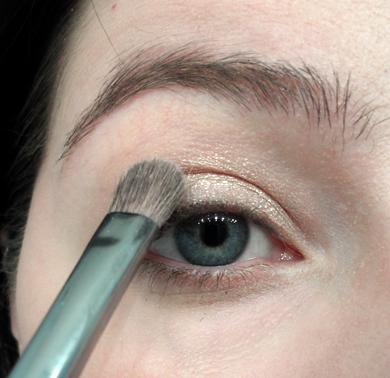 nude shimmer eye tutorial