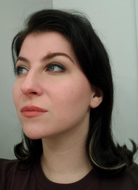 soft smoky cat eyeliner