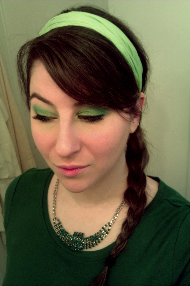 st patricks day green makeup
