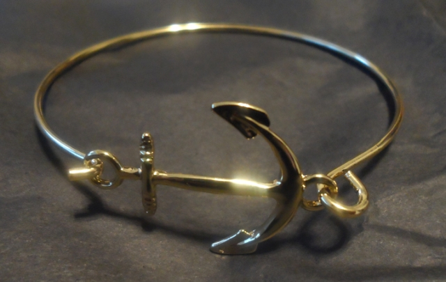 all the rage Gold Anchor Bracelet