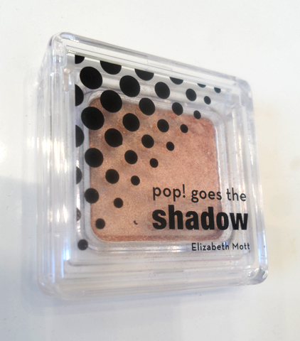 elizabeth mott pop goes the eyeshadow champagne