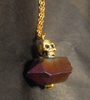 Flea Market Girl Stone Skull Necklace
