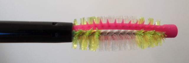 milani total lash mascara hybrid brush