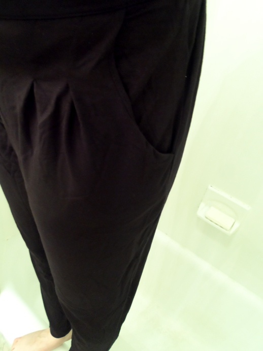 priddy by buella black slouchy pants closeup