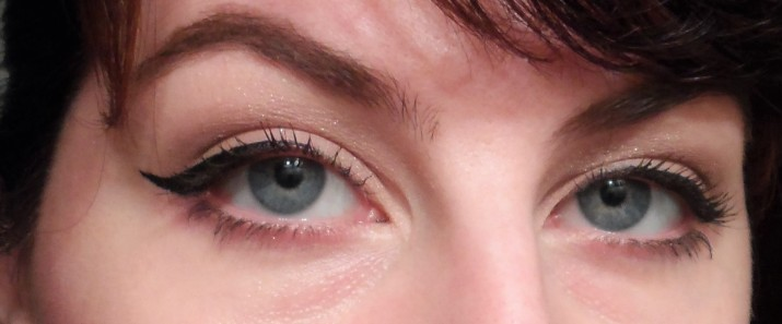 retro sixties glam cat eye with memebox cosmetics