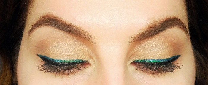 black and green eyeliner